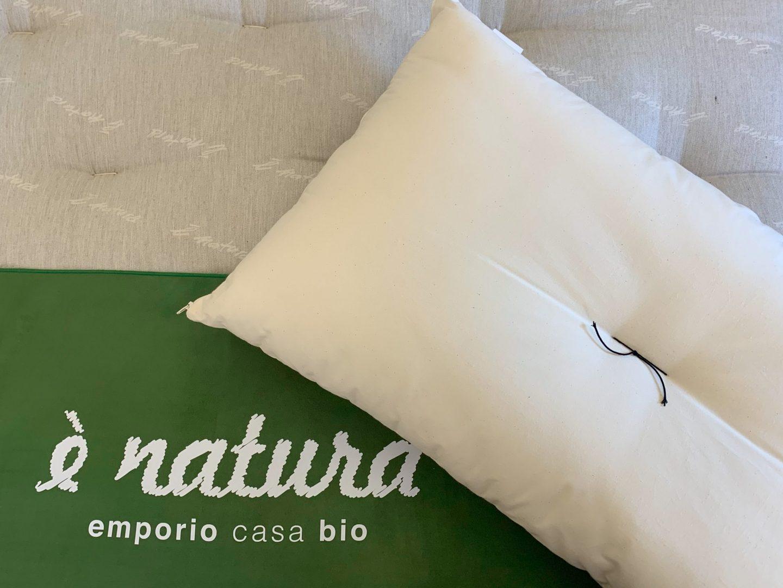 Read more about the article L'importanza del cuscino e quale scegliere per dormire bene